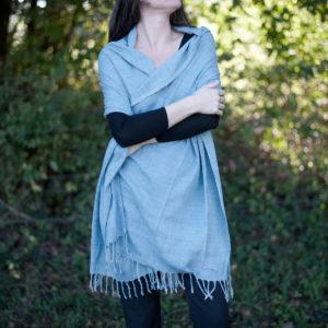 Etole en soie sauvage bleu pastel