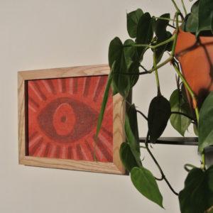 Teinture murale l'oeil rouge